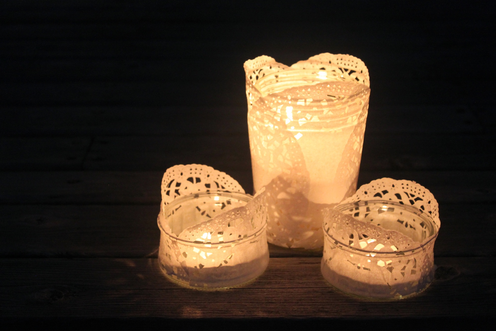 Diy doily tea light holders for Cardboard candle holders
